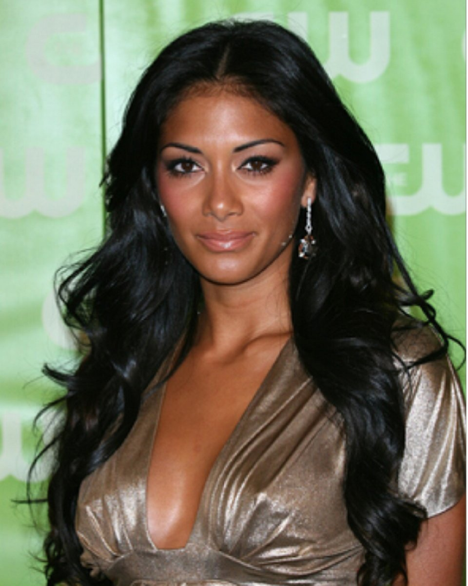 Custom Celebrity Wigs | Lace Frenzy Wigs and Hair Extensions