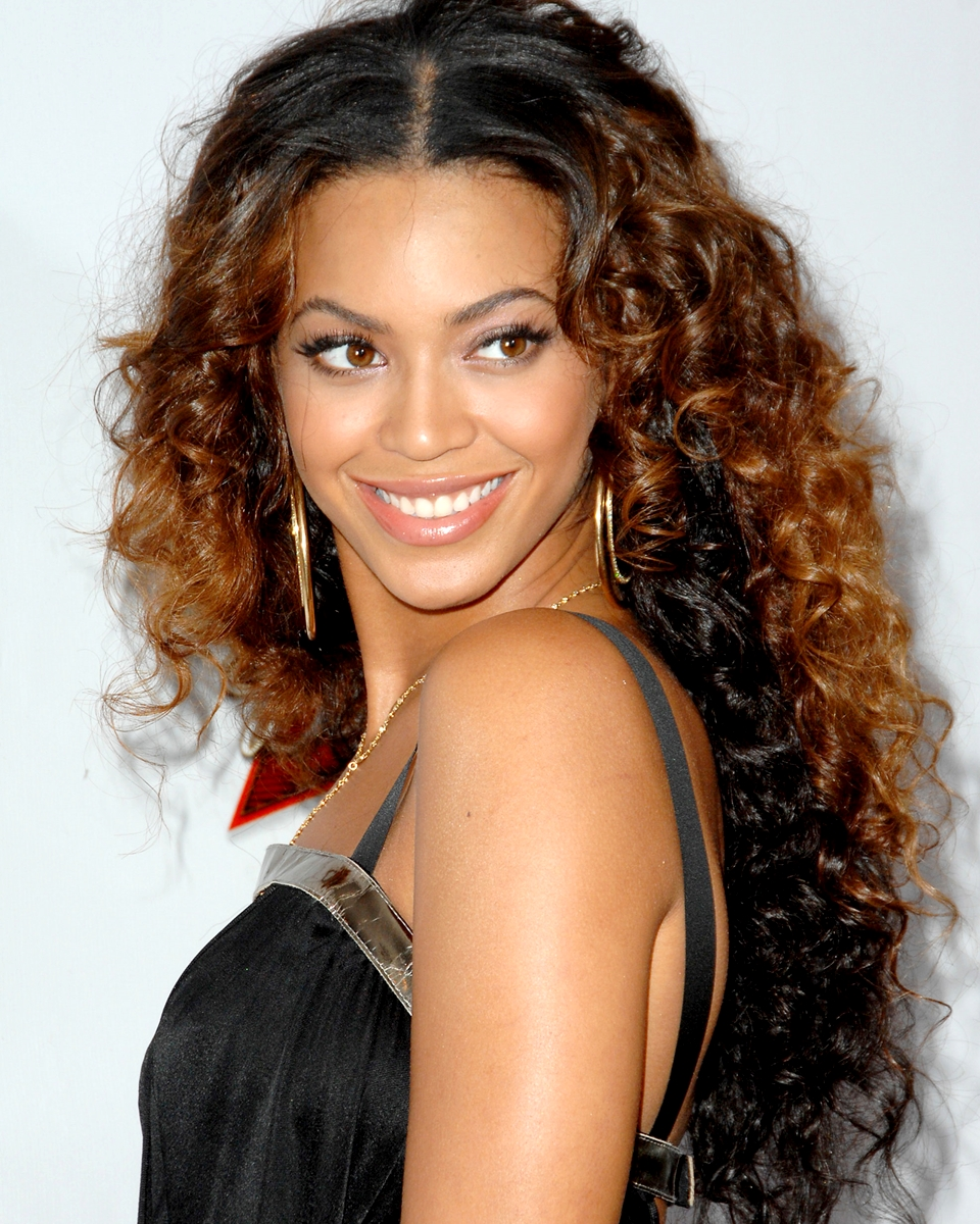 Beyonce' Two Tone Curly - Celebrity Custom Lace Wig