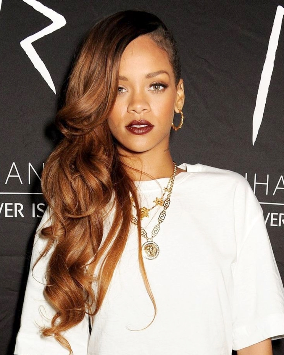 Rihanna - Loose Curls - Custom Celebrity Lace Wig
