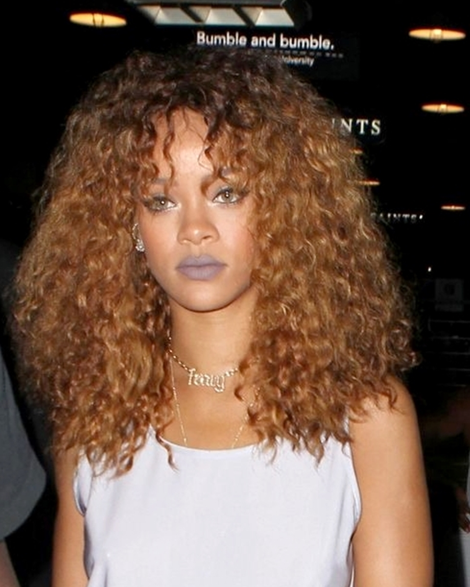 Rihanna - Very Wavy w/ Hand-tied Bang - Custom Celebrity Lace Wig