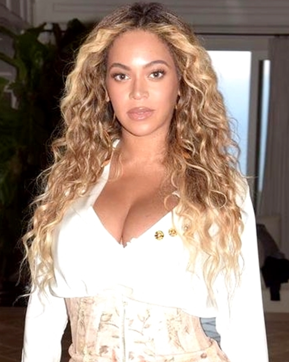 Beyonce Wavy Ombre Custom Celebrity Lace Wig